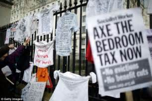 Bedroom Tax If You Work Thousands Wrongly Hit By Bedroom Tax And In Line For A