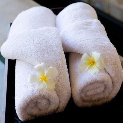 Folding Paper Towels Fancy - 25 best ideas about folding bath towels on