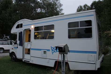 Jual Saklar Lu Hotel berpetualang dengan mobil caravan di new zealand liburkeluarga
