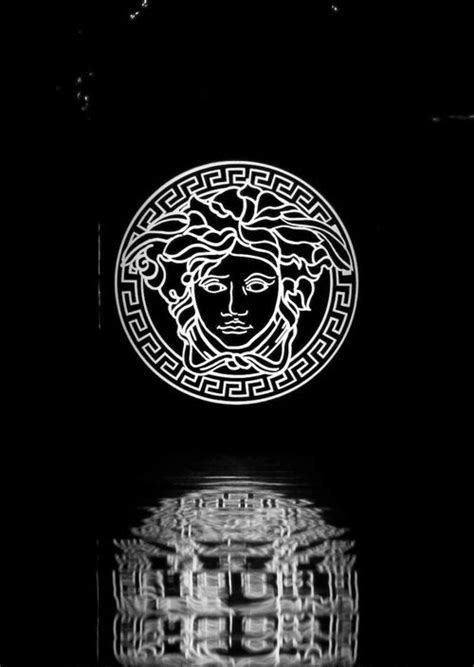 versace wallpaper hd iphone versace hd wallpaper wallpapersafari