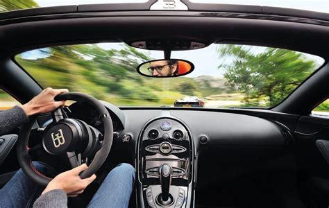 bugatti veyron interni bugatti veyron vitesse vs pagani huayra foto panoramauto