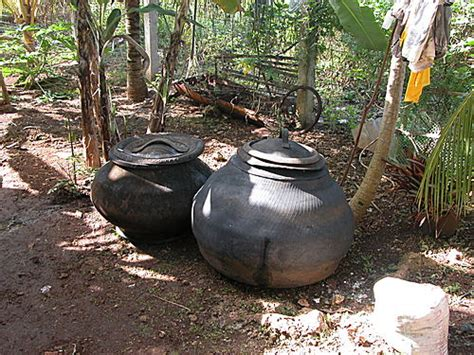 Car Tires Are Made Out Of Water Container Made Out Of Truck Tires Zdj苹cie Panglao