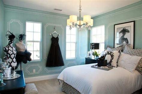 audrey hepburn style bedroom audrey hepburn inspired room home decor pinterest
