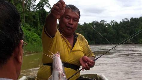 Pancing Ikan Di Laut pancing ikan tengkululang di sungai jelai