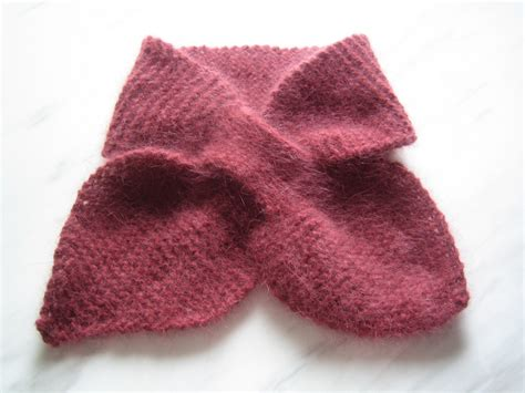 knitting pattern bow knot scarf bow knot scarf by katherine burgess free pattern from