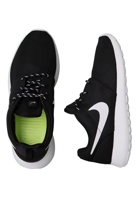 nike running shoes for black and white
