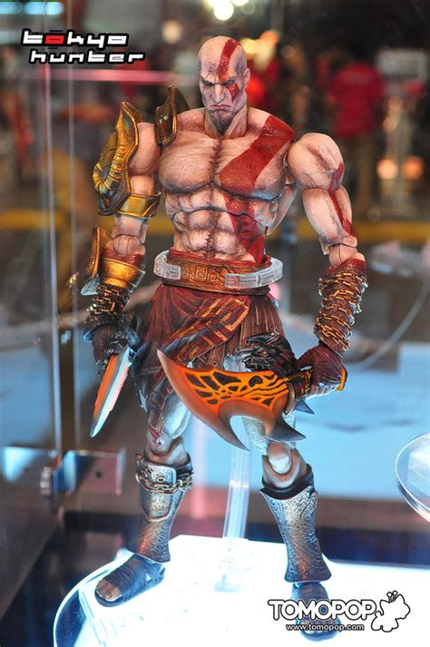 Play Arts Kratos Gow 3 New Play Arts Photos From Tgs 2011 The Toyark News