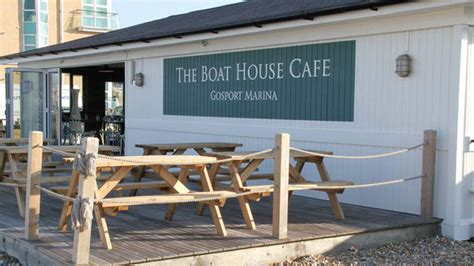 boat house cafe free bottle of wine at the boat house gosport