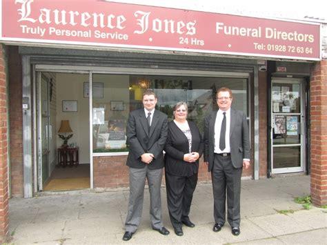 laurence jones funeral directors elton helsby chester