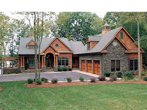 craftsman house plan with 4304 square feet and 4 bedrooms