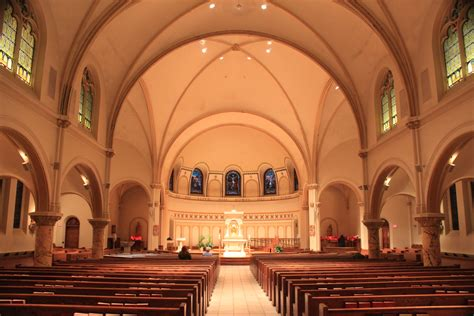 Good Nearby Catholic Churches #9: Saint_Thomas_the_Apostle_Catholic_Church_Sanctuary_Ann_Arbor_Michigan.JPG