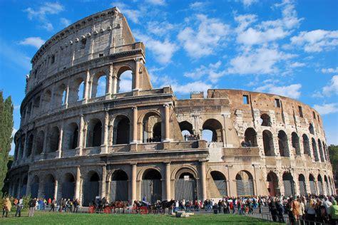 ingresso colosseo e fori imperiali pasquetta a roma pienone di turisti tra colosseo fori e