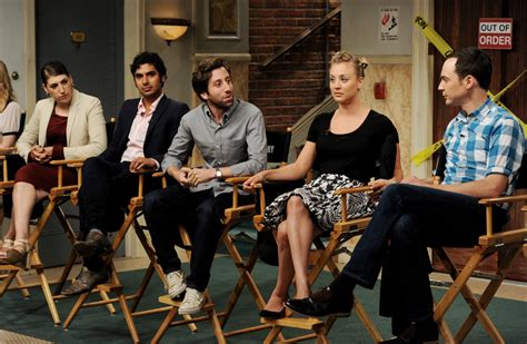 sfemale co stair black list big bang theory cast takes pay cut for co stars simplemost