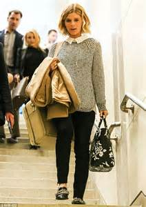 Womans Shoulder Bag Zoe Black Intl kate mara looks pretty and preppy in cosy knit jumper and