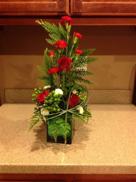 how to make flower arrangements how to make a christmas flower arrangement