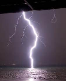 Awesome Lighting awesome pictures of lightning awesome shot of lightning