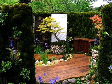 Gardener Of 2007 by The Japanese Moss Garden At The 2007 Chelsea Flower Show Flickr Photo