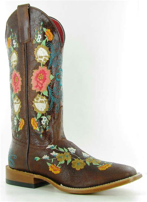 Boots Giveaway - macie bean cowboy boot giveaway horses heels