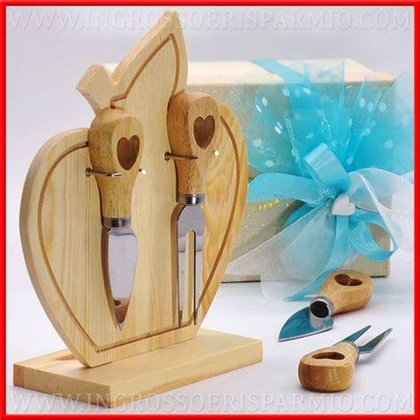 bomboniere utili per la casa set formaggio coltelli e stand legno bomboniere utili