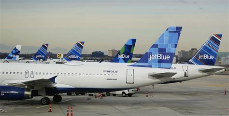 jetblue to add flights between new york city and boston points martinis