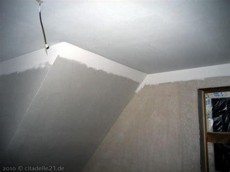 Decke Weiß by Decken Im Obergeschoss Sind Wei 223 Gestrichen Citadelle21
