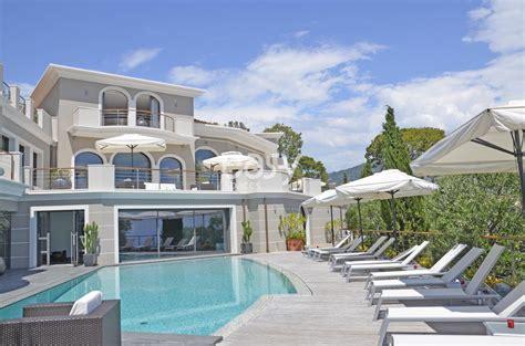 Location villa contemporaine vue panoramique pour photo tournage et événement pro Nice Monaco