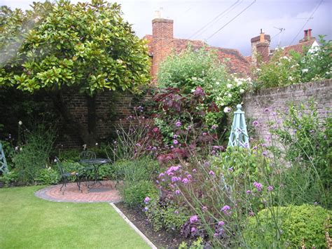 cottage garden design small cottage garden design ideas
