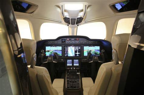 cabina pilotaggio aereo l evoluzione delle cabine di pilotaggio per la sicurezza