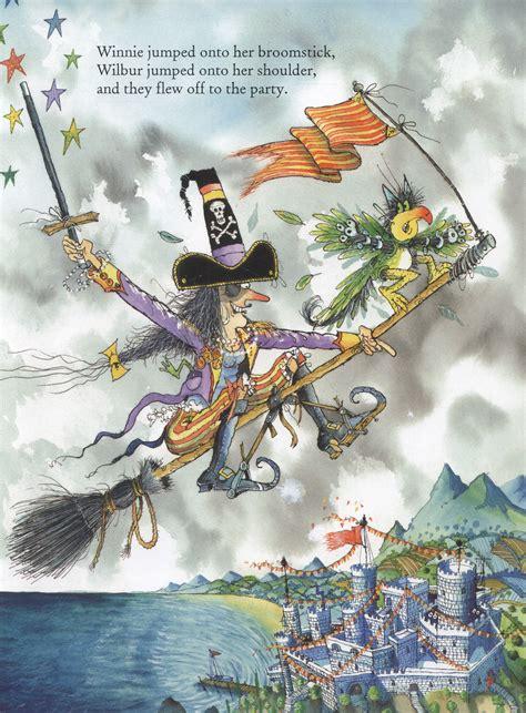 winnies pirate adventure 0192736027 winnie s pirate adventure by thomas valerie 9780192736017 brownsbfs