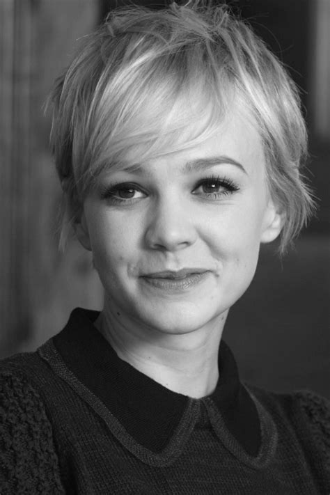 pixie cut on narrow face carey mulligan s long pixie such a cute cut i just love