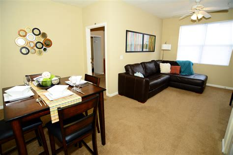 College Appartment by College Station Apartments Student Apartments In Normal Il