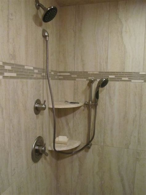 Upright Shower Vertical Grain Shower Wall Tile With Glass Accent Modern
