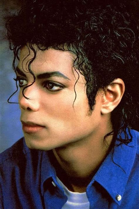 michael jackson favorite color what do you think was michael jackson s favorite colour