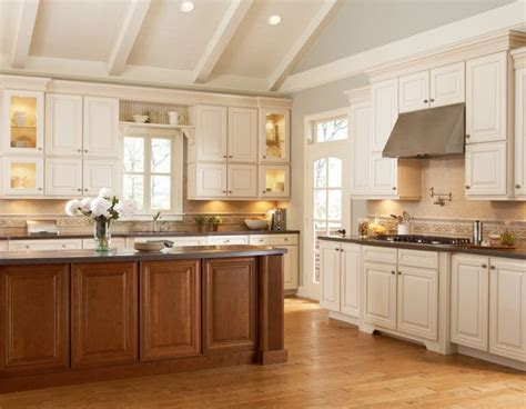 shenandoah kitchen cabinets 17 best images about mckinley on pinterest cherries