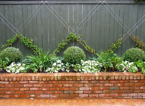 decorar jardines con ladrillos 15 brillantes ideas para decorar jard 237 n con ladrillos