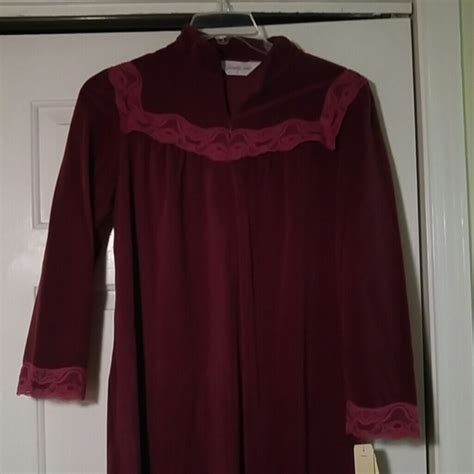 vanity fair robes 69 other beautiful vintage vanity fair robe nwt