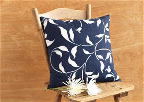 artistic pillows sewing pillows 5 free artistic pillow cover and pillow