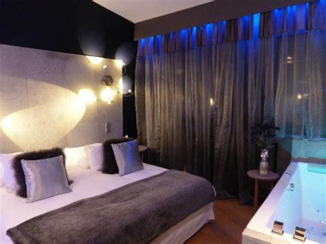 hotel avec chemin馥 dans la chambre une boutique h 244 tel dans le vieux lyon calme et volupt 233