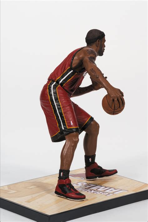 lebron james mini biography lebron james