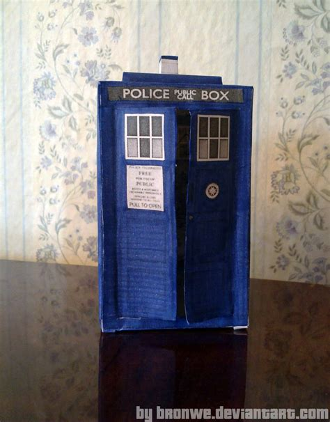 new tardis papercraft by bronwe on deviantart
