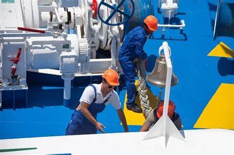 boatswain in ship duties of bosun boatswain on a ship