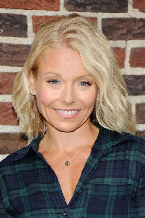 kelly ripa kelly ripa arrive to appear on the late show with david