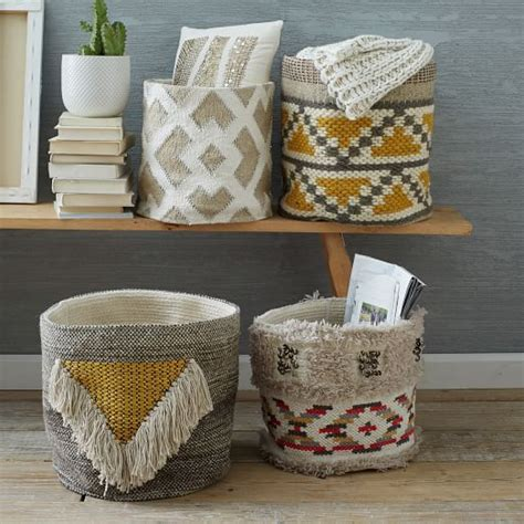 Baskets For Home Decor by 25 Best Ideas About Storage Baskets On