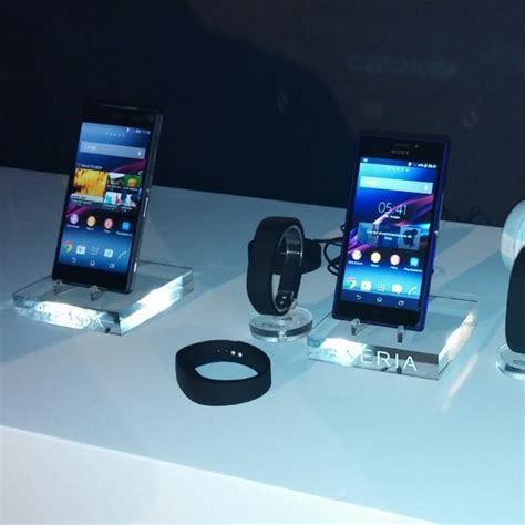 Smartwatch Sony Xperia Z2 Sony Xperia Z2 Avec Smartwatch Wearemobians Wearemobians