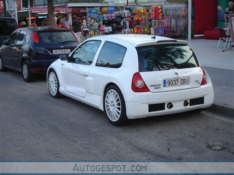 renault clio v6 white renault clio v6 phase ii 16 mai 2010 autogespot