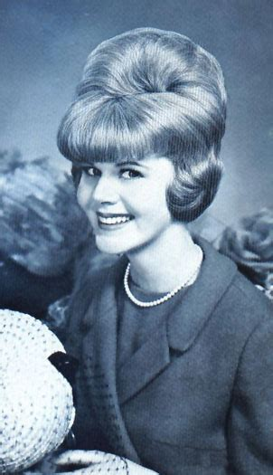 bubble haircuts 1960s big bouffant hairstyles 1960s hairstylegalleries com