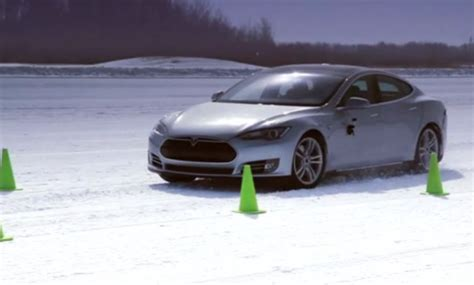Tesla In Cold Weather How Does A Model S Handle In The Snow