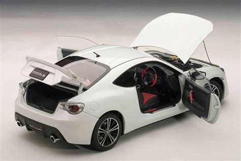 Diecast Toyota 86 amiami character hobby shop diecast model car 1 18 toyota 86 gt limited satin white pearl