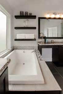 bathtub decor ideas best 25 spa tub ideas on big tub built in