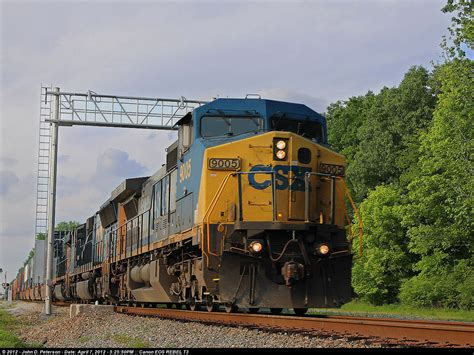 Southbound CSX intermodal train Q025 blasts through the